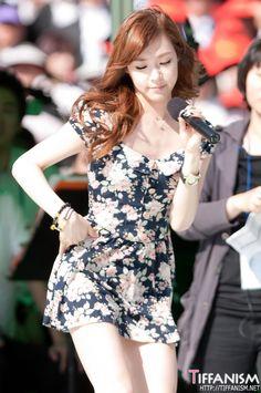 Look at the cute dress :D Ok. so it's a bit short. Tiffany Girls, Snsd Tiffany, Tiffany Hwang, Snsd Fashion, Korean Fashion, Girl Fashion, Girls' Generation Tiffany, Girls Generation, Korean Women