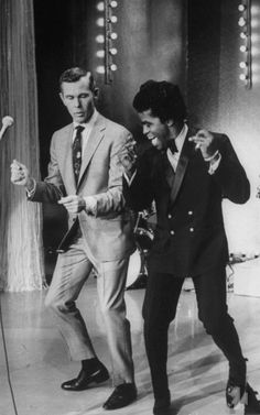Saturday, March 31, 2012: Teach me how to Dougie? James Brown shows Johnny Carson how to get down!