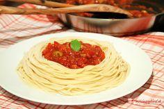 Paradajková omáčka na špagety Guacamole, Spaghetti, Rice, Pasta, Ethnic Recipes, Kitchen, Food, Cooking, Eten