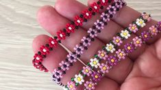 Beaded Bracelet Patterns, Beaded Earrings, Beaded Bracelets, Jewelry Crafts, Handmade Jewelry, Seed Bead Crafts, Handmade Gifts For Friends, Necklace Tutorial, Hand Embroidery Designs