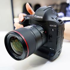 Another great shot of the Mark II. Click the link in our bio for the top 20 canon lenses for your Camera Hacks, Camera Gear, Camera Tips, Photography Gallery, Photography Camera, Photography Tips, Best Digital Camera, Digital Cameras, Dslr Or Mirrorless
