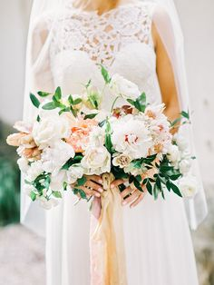 Beautiful fall blooms: Photography: Amy Arrington Photography - amyarrington.com   Read More on SMP: http://www.stylemepretty.com/2016/07/19/this-southern-wedding-is-a-foodie-lovers-dream/