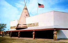Hedges Wigwam at the corner of Woodward Ave and Ten Mile Road in Royal Oak, Michigan