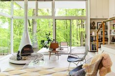 Richard Neutra house in Pennsylvania gets a sensitive, modern update - Curbedclockmenumore-arrownoyes : A midcentury modern-loving couple finds their dream house where they least expect it