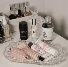Neue Make-up-Organisation Regal Beauty-Produkte 63 Ideen Makeup Case, Diy Makeup, Dress Makeup, Makeup Tools, Drugstore Makeup, Make Up Brush, Makeup Storage Organization, Storage Ideas, Organization Ideas