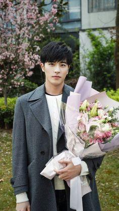 Asian Actors, Korean Actors, Love Cast, Sexy Asian Men, Ideal Man, Boys Over Flowers, Gong Yoo, Chinese Boy, Fine Men