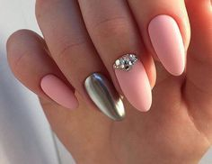 Pink and gold nails Gel Manicure Nails, Gelish Nails, Matte Nails, Pink Nails, Gold Nails, Glitter Gel Polish, Gel Nail Polish Colors, Nail Polish Kits, Silver Nail Designs