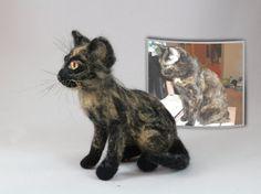 Needle Felt Art Personalized pet Custom Pet Portrait Miniature Tortoiseshell Cat Little Copy Your Pet Cat Doll Animal Decorating Shelves