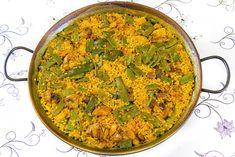 School of Rice and Valencian Paella. Enjoy learning with us how to cook Paella with our paella course in our Paella School. Norway Food, Denmark Food, Poland Food, Valenciana Recipe, Paella Valenciana, Easy Spanish Recipes, French Recipes, Easy Recipes, Easy Meals