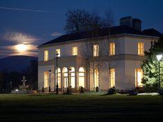Tulfarris Manor House, Tulfarris Hotel and Golf Resort, Blessingon Lakes, Blessington, Co. Wicklow, Ireland  © www.tulfarrishotel.com