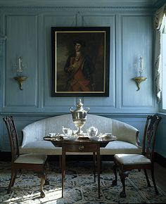 Something about blue paneled walls. I'd kill to have a sitting room the Bennet's in Pride & Prejudice. Georgian Interiors, Interior And Exterior, Interior Design, American Interior, Blue Rooms, Beautiful Space, Historic Homes, Architecture, Vintage Modern