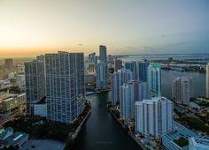 Brickell Miami #miami #florida #miamibeach #sobe #southbeach #brickell #Florida by @edinchavez