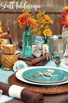 Fall table setting ideas with a modern color palette; Thanksgiving table setting ideas; fall tablescape.