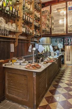 Home Decoration Design Ideas Design Bar Restaurant, Tapas Restaurant, Vintage Bar, Beer Bar, Cafe Interior, Cafe Bar, Cafe Design, Home Decor, Spanish Tapas