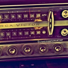Love the vintage radio of an old car.