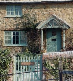 "The Paper Mulberry: An English Summer Cottage -- Film set for ""The Holiday"" Rose Hill Cottage"