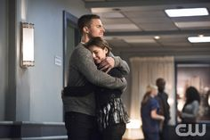 "Arrow -- ""Canary Cry"" -- Image AR419a_0049b.jpg -- Pictured (L-R): Stephen Amell…"