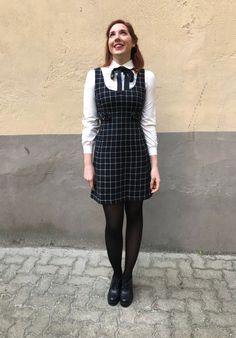 #128 - Un altro Look da collegiale • Geek Chic Outfits, Girly Girl Outfits, Kpop Fashion Outfits, Classy Outfits, Cute Fashion, School Uniform Outfits, School Dresses, Stylish Winter Outfits, Fall Outfits