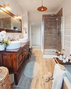 Bathroom Design Luxury, Bathroom Interior, Kitchen Eating Areas, Country Style Homes, Cuisines Design, Beautiful Bathrooms, Master Bathroom, Home Remodeling, Kitchen Design