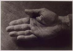 """Brassai. """"La main droite de Picasso"""", (moulage, 1937)"""
