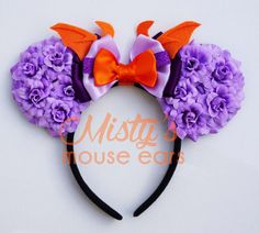 This adorable mouse ears are made with love and detail. If you have any questions please contact me. Not recommended for children under 3 due to the small pieces on the bow that can be a choking hazard. These Ears will fit a child to adult. Please look at my Instagram page to see how they fit all sizes. @mistysmouseears