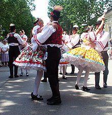Hungarians dancing csárdás in traditional garments / folk costumes Popular Art, Arte Popular, Hungarian Dance, Folk Dance, Ballroom Dancing, Latin Dance, Second World, Folk Costume, My Heritage