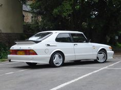 I'll be putting a set of super aeros on my 900 aero and want to know the best tyre size? Saab 900, Saab Automobile, Best Tyres, Car Photos, Motor Car, Subaru, Jdm, Classic Cars, Vehicles