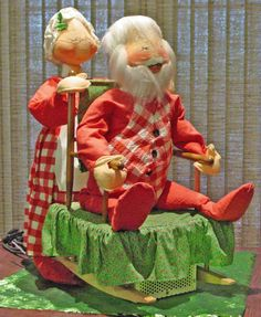 VINTAGE ANNALEE DOLLS ANIMATED 1971 DEALER DISPLAY MRS SANTA ROCKING SANTA CLAUS…