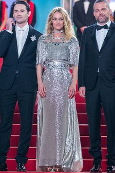 Vanessa Paradis in Chanel at the screening of Knife + Heart (Un Couteau Dans Le Cœur) at the Cannes Film Festival Vanessa Paradis, Cate Blanchett, Silver Dress, Gray Dress, Kristen Stewart, Valentino, Chanel Resort, Nice Dresses, Formal Dresses