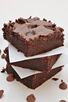 Fudgy light & gluten free brownies - yumyumYUM.