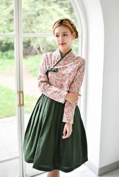 #꽃미녀 Korean Fashion Dress, Ulzzang Fashion, Asian Fashion, Women's Fashion Dresses, Ethnic Fashion, Traditional Dresses Designs, Korean Traditional Dress, Traditional Outfits, Japanese Outfits