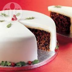 My Christmas cake recipe - All recipes UK Food Cakes, Cupcake Cakes, Xmas Food, Christmas Desserts, Christmas Cake Recipe Traditional, Decadent Cakes, Gingerbread Cake, Just Cakes, Cookie Recipes