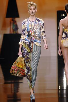 Vivienne Westwood Spring 2006 Ready-to-Wear Fashion Show - Margarita Svegzdaite
