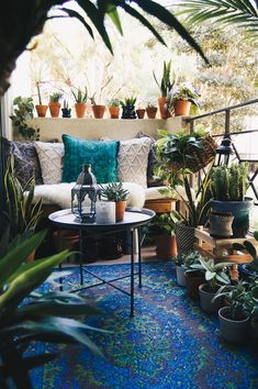 Bohemian Patio Diy Small Spaces New Ideas Patio Decor, Boho Decor, Decor, Small Balcony Decor, Porch Decorating, Diy Patio, Boho Patio, Decorating Small Spaces