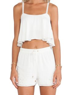 Lovers + Friends Long Weekend Crop Top en Blanco Marfil | REVOLVE