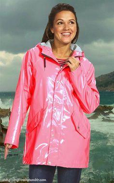 image Pink Raincoat, Plastic Raincoat, Rainy Day Fashion, Pink Plastic, Rain Wear, Rainy Days, Rain Jacket, Windbreaker, Lady