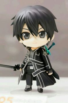 Kirito FIGURE OH MY GOSH HES TO TINY AND CUTE AND I WNAT HIM SO BAD LIKE I WANT THIS SOOOOO BADDDD I CANT EVEN