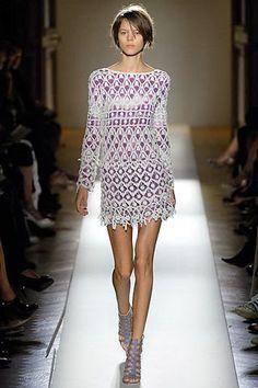 TRICO y CROCHET-madona-mía: Vestido blanco a crochet con forro lilas con patró...