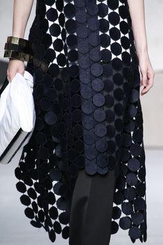 Marni Detail Spring 2016 Ready-to-Wear #textiledesign #detail #modular #texture #madeinitaly #ss16