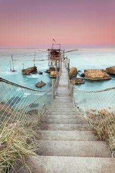The trabocco Punta Torre is located in Rocca San Giovanni Marina, north of the trabocco Spezza Catena. It was built up by Domenico Verì in 1873 and it is still owned by the Verì family