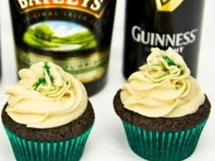 These Guinness chocolate cupcakes with Baileys buttercream frosting are a...