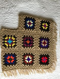 Granny Square Poncho, Granny Squares, Crochet Poncho Patterns, Crochet Jacket, Filet Crochet, Knit Crochet, Crochet Clothes, Crochet Hooks, Knitting