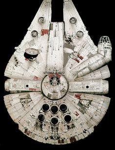 Bandai Millennium Falcon ANH version - Page 6 Nave Star Wars, Star Wars Art, Millennium Falcon Model, Han Solo And Chewbacca, Perfect Grade, Arte Nerd, Star Wars Episode Iv, Star Wars Models, Star Wars Tattoo