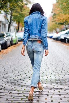 Love this double denim look! Stylish and girly with the heels. Get the look here:  Jacket: http://asos.do/kBU359 Jeans: http://asos.do/733EI5 Heels: http://asos.do/LKn5z3