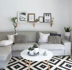 kmart styling het zwart witte gekruiste kussentje vind ik leuk, volgensmij verkopen ze deze bij de IKEA