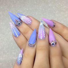 Pretty nail art idea for stiletto nails. Ideas de unas