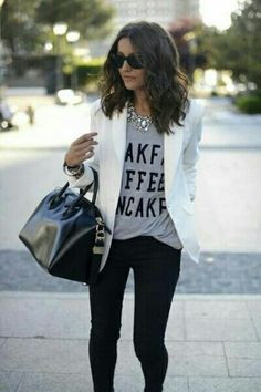 White blazer, t shirt, black skinnies, statement necklace