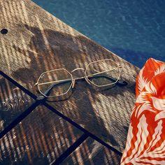 RB2132 NEW WAYFARER 62269 52MM Sunglasses Store, Sunglasses Outlet, Oval Sunglasses, Wayfarer Sunglasses, Sunglasses Case, Sunglasses Women, Lv Handbags, Handbags Michael Kors, Louis Vuitton Handbags
