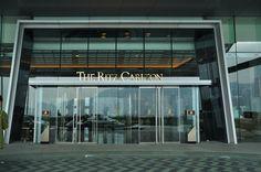 香港丽思卡尔顿酒店大门