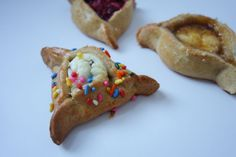 Hamantaschen (Sweet Edition) Round Cookie Cutters, Cookie Dough, Happy Purim, Egg Wash, Blueberry, Chips, Chocolate, Baking, Bakken